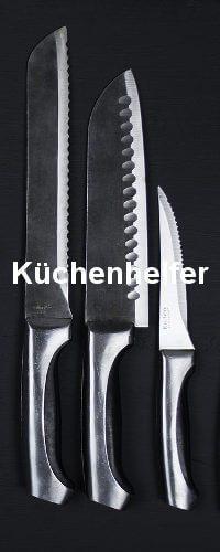 Drei Messer sind zu sehen. Sie liegen in einer Reihe und nach Größe sortiert.